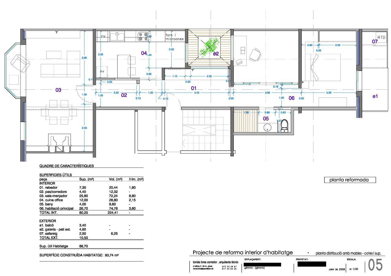 Reforma i decoració interior d'habitatge en edifici a Girona