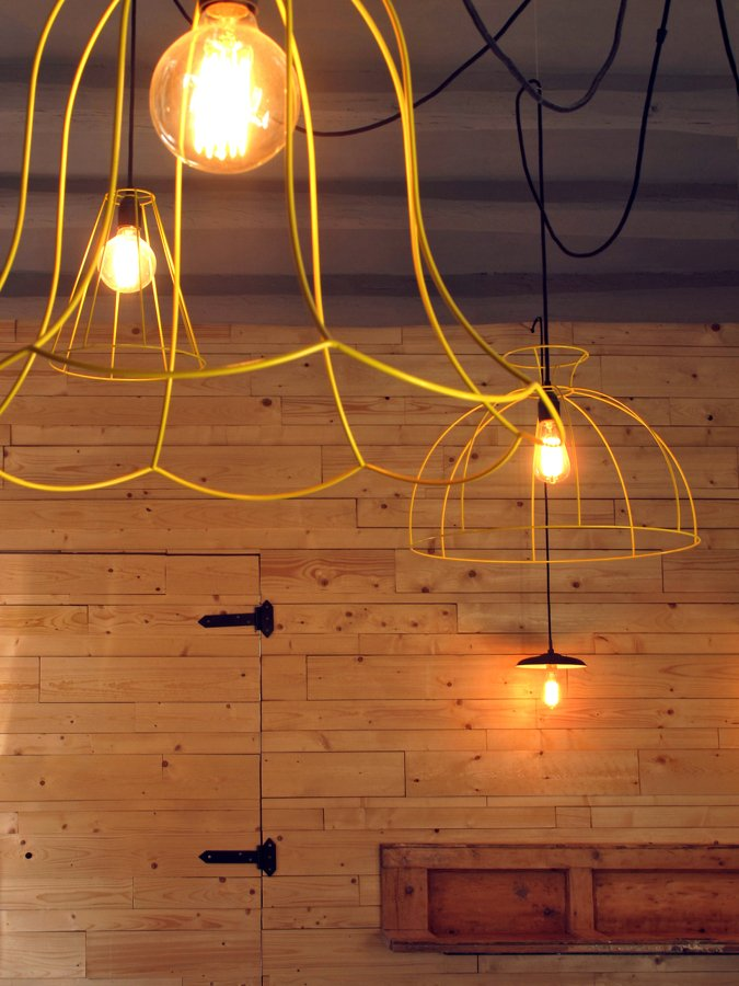 lámparas amarillas
