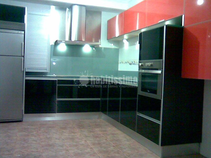 Cocina para un particular en nigr n ideas muebles - Cristal templado cocina precio ...