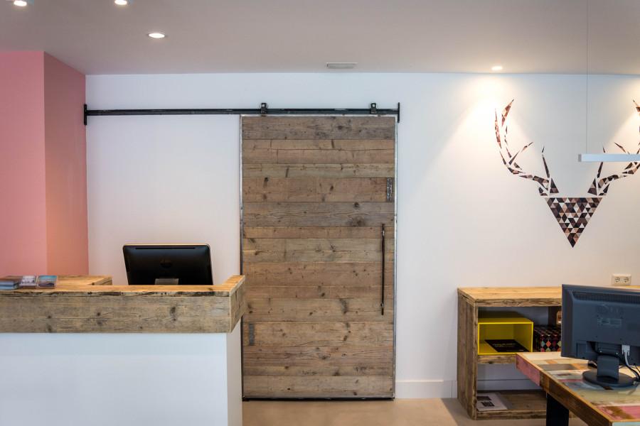 A medida for Puertas de madera reciclada