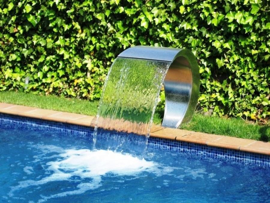 cascadas para piscinas cuando la belleza y la salud van