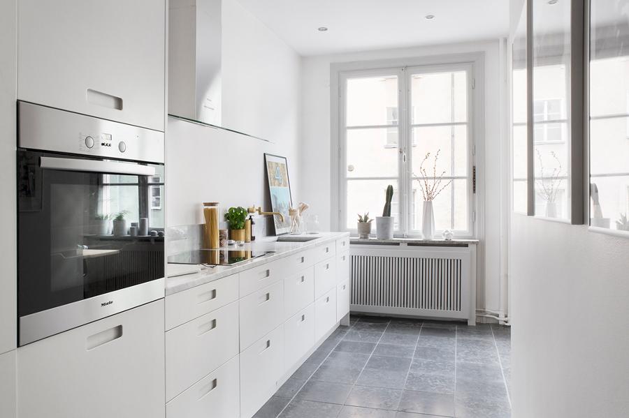 Pinta tu cocina y consigue que parezca m s grande ideas - Decoracion de suelos interiores ...