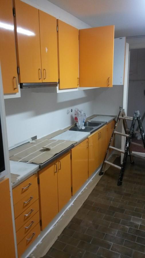 Alisado de azulejos cocina ideas pintores - Pintores de muebles ...