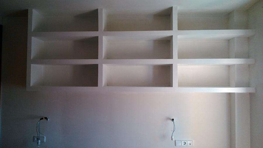 Acabado estanteria librería