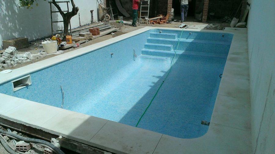 Piscina 1 ideas construcci n piscinas for Cenefas para piscinas