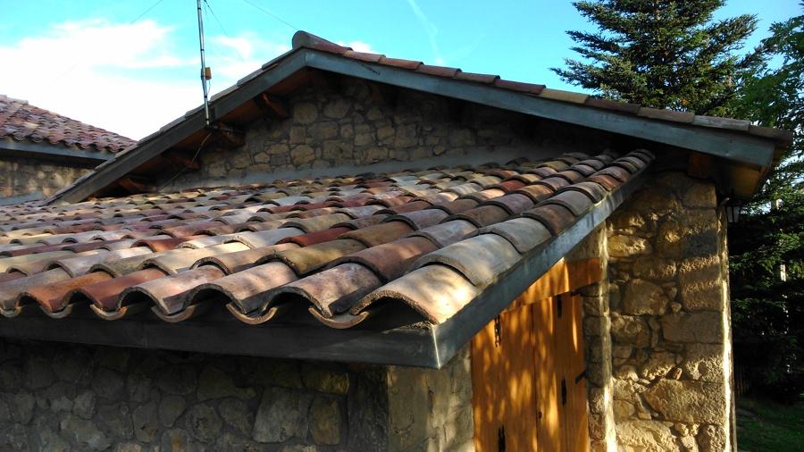 acabats coberta de fusta en una masia