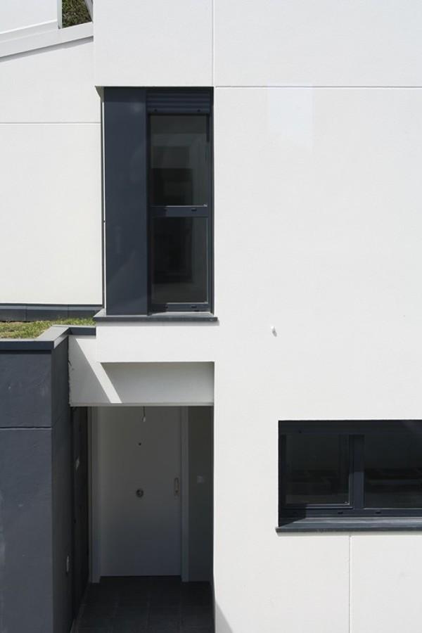 Acceso a la vivienda cubierto