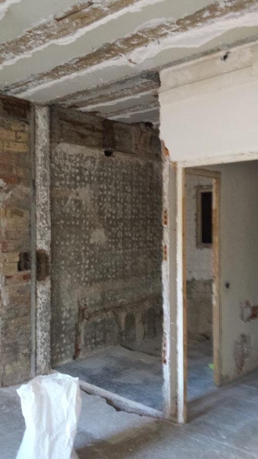 acceso y antigua cocina