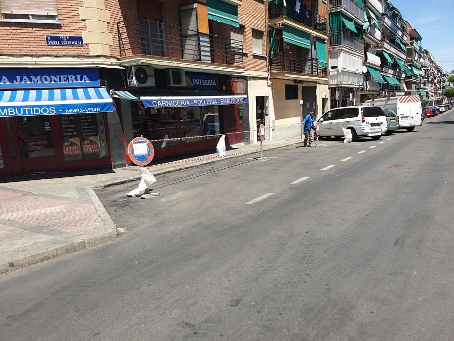 Acometida al colector municipal en la calle Sierra Contraviesa 67 entrevías