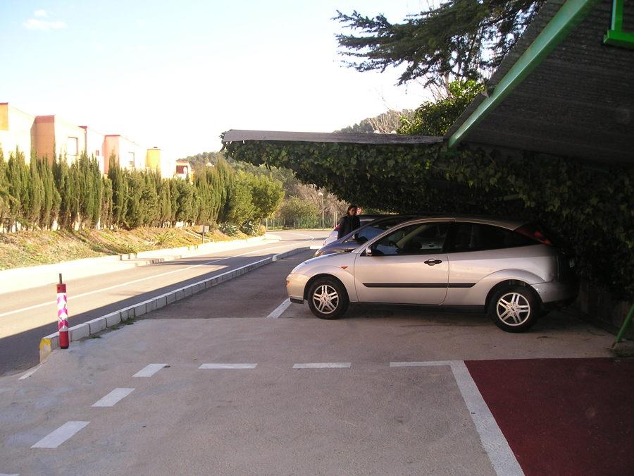 Actual separación parking - apeadero