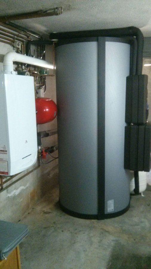 Acumulador solar con centralita y modulo de agua caliente instantanea