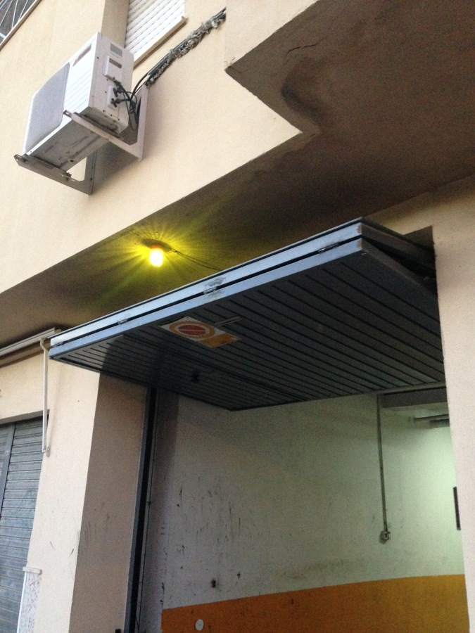 Adaptaci n a nueva normativa de seguridad en puertas de - Proyecto puerta de garaje ...