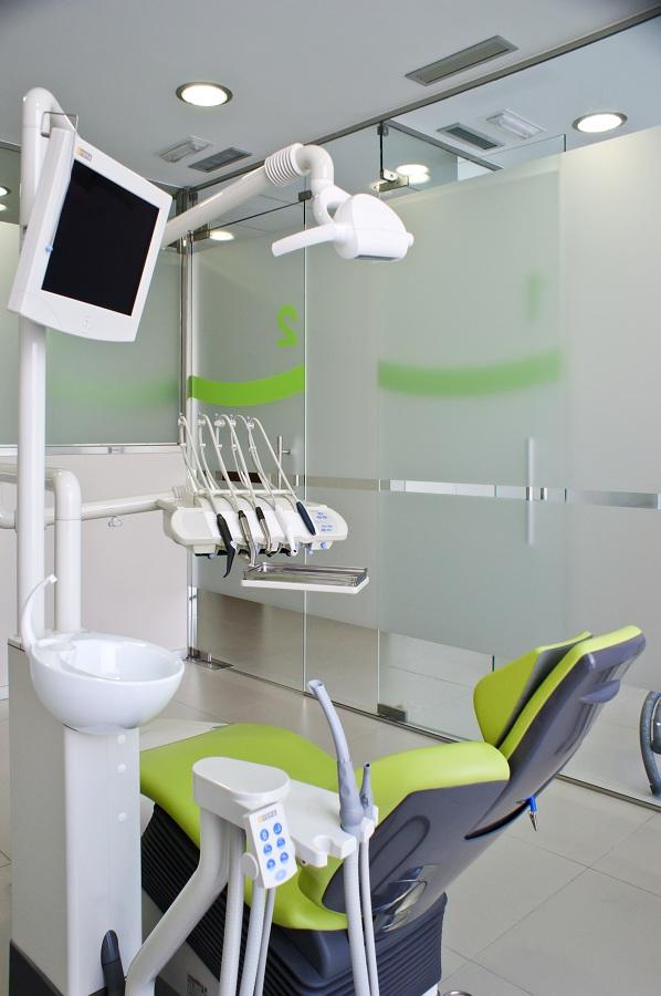 Foto adecuacion de local a clinica dental de t cnicas en - Decoracion clinica dental ...