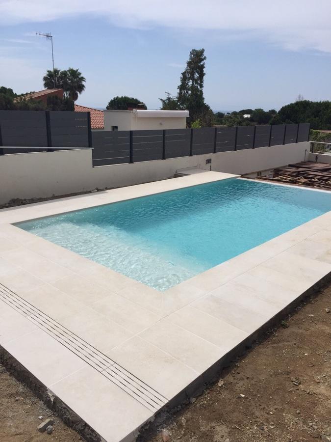 Construcci n de piscina desbordante ideas construcci n for Detalle constructivo piscina desbordante
