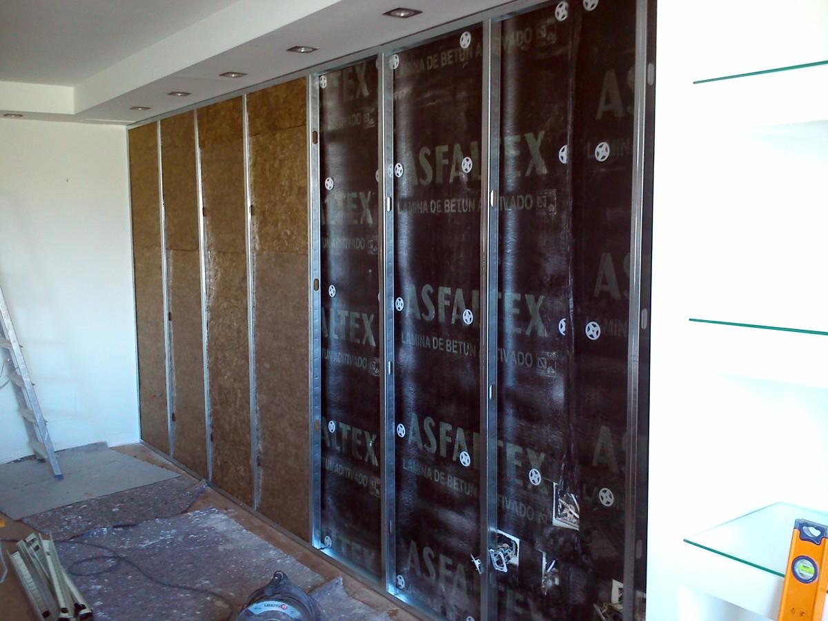 Foto aislamiento acustico en pared de salon de servimaxum - Aislamiento de paredes ...