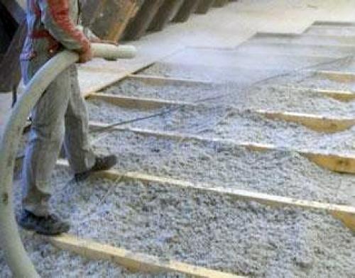 Aislamiento de suelo en combinación con tarima de madera