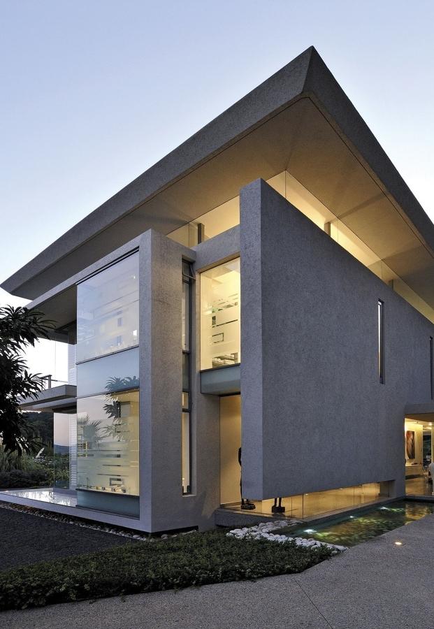 C mo aislar t rmicamente tu casa y ahorrar en calefacci n for Casas modernas techos inclinados