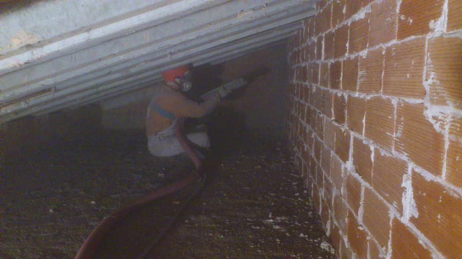 Aislar tejado o techo t rmicamente con celulosa barcelona - Aislar paredes termicamente ...