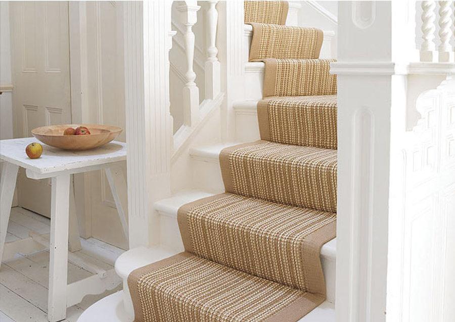 Ventajas de poner alfombras en la escalera ideas for Escaleras con alfombra