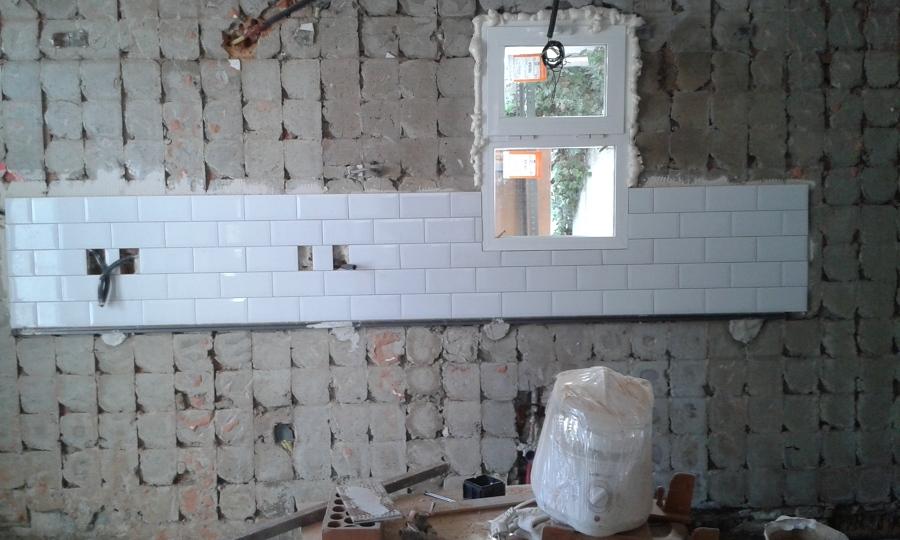 Foto alicatado de frente de cocina con azulejo portugu s - Alicatado de cocina ...