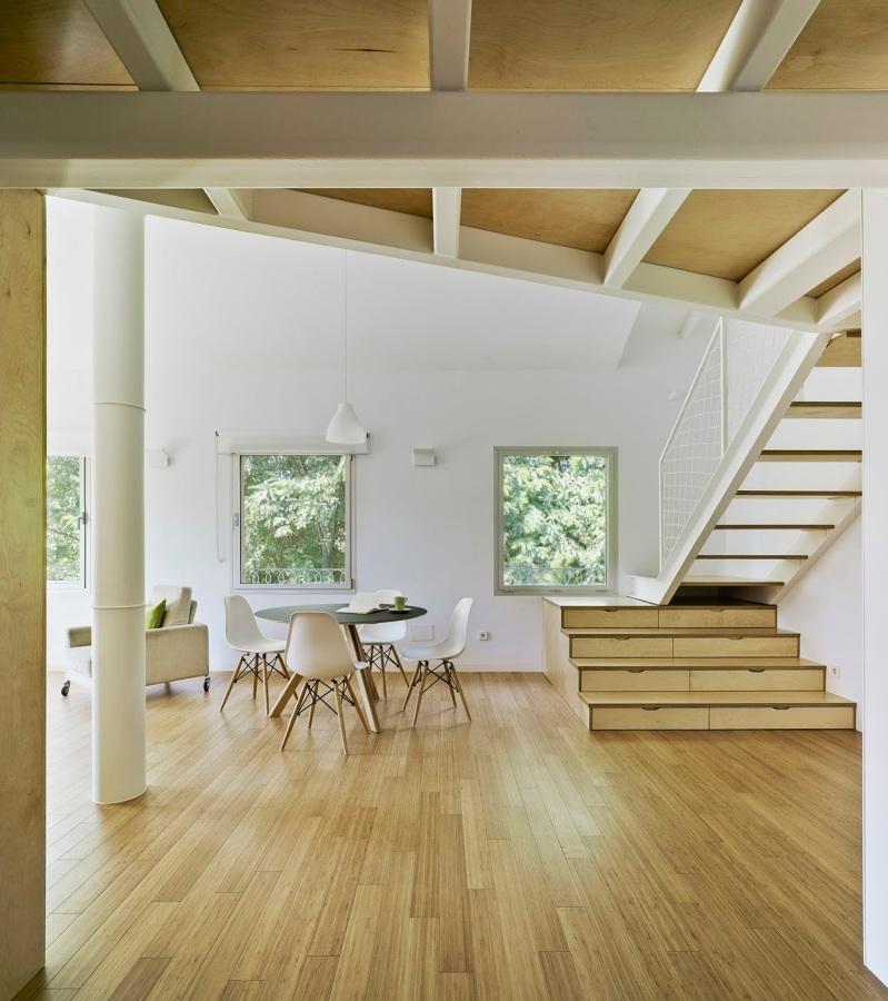 Un apartamento luminoso y rompedor cualquier cambio es - Estructura metalica vivienda ...