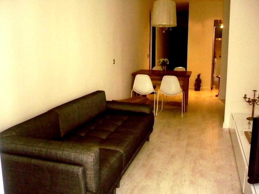Foto amueblamiento sal n de nautilus studio 1090090 for Estudiar interiorismo barcelona