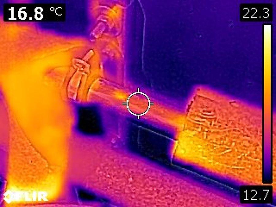 Análisis de instalación solar térmica mediante cámara termográfica.