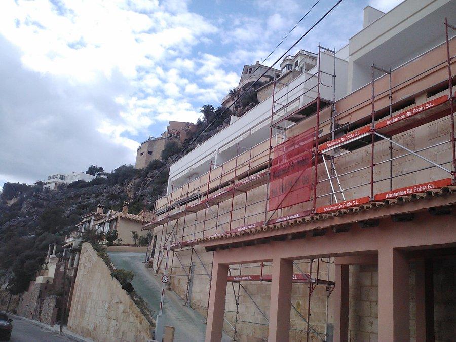 Reforma de la fachada de mar s en mallorca ideas for Alquiler maquinaria mallorca