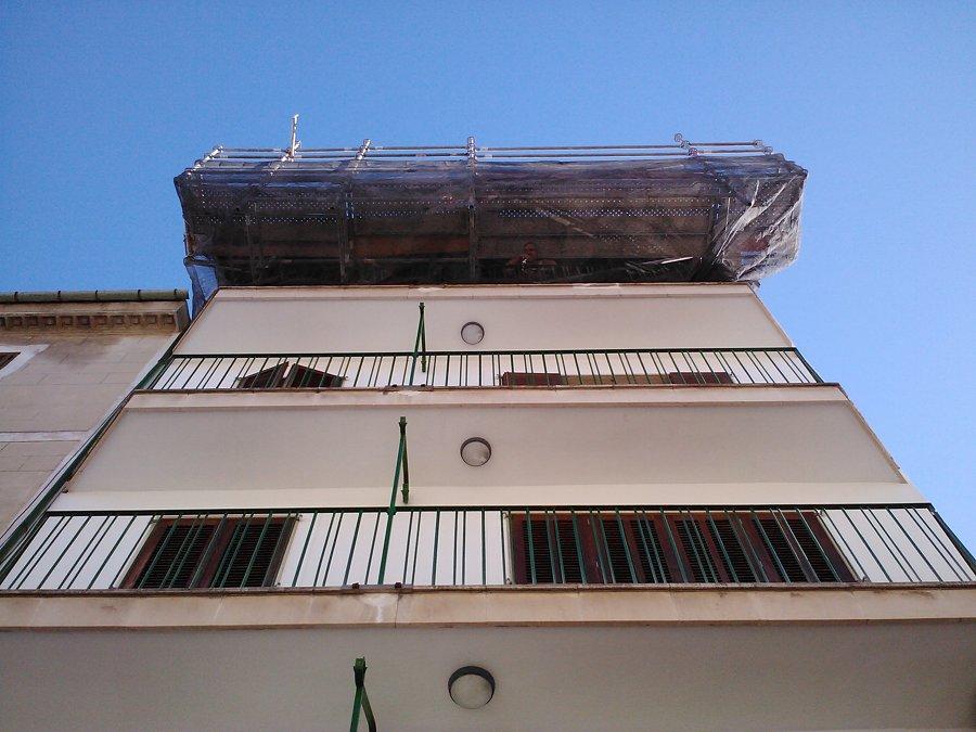 Andamio cambiar canal y trabajos de techo en mallorca for Alquiler maquinaria mallorca