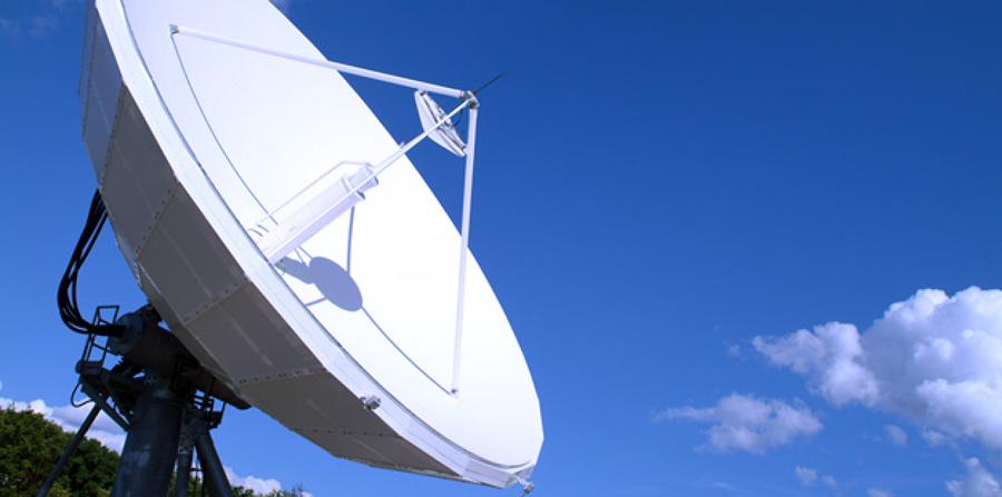Foto antenas de tv de solman soluciones y mantenimiento for Antenas parabolicas en granada