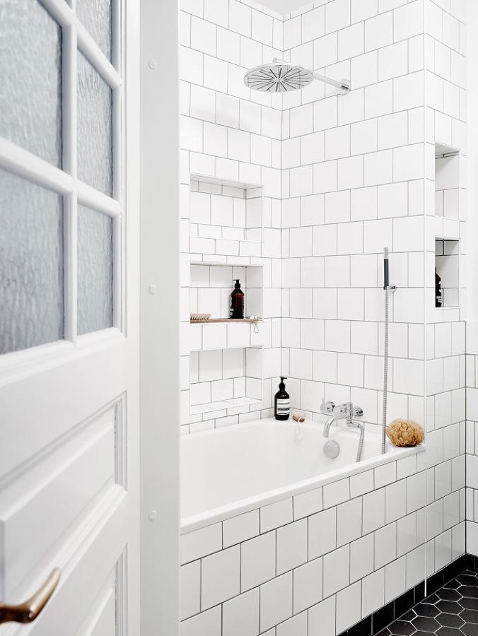 Baldosas Baño Blancas:Foto: Baño con Baldosa Blanca de Miv Interiores #1006537
