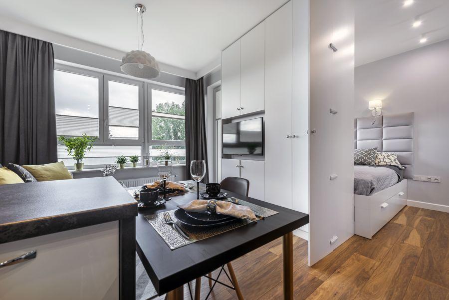 apartamento pequeño de planta abierta con mobiliario a medida