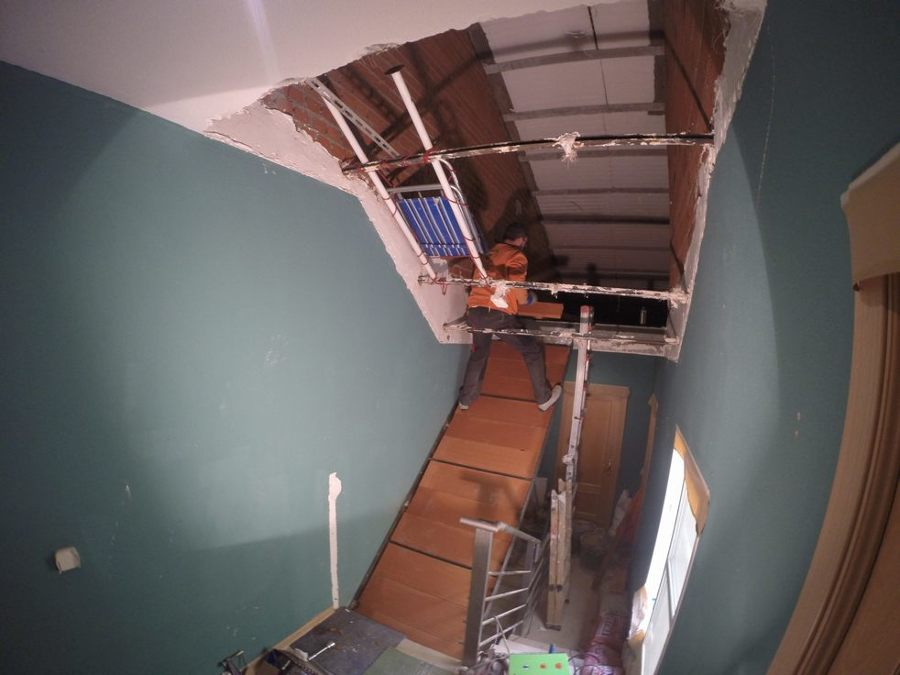 Apertura de escalera para buhardilla ideas alba iles - Escaleras para buhardilla ...