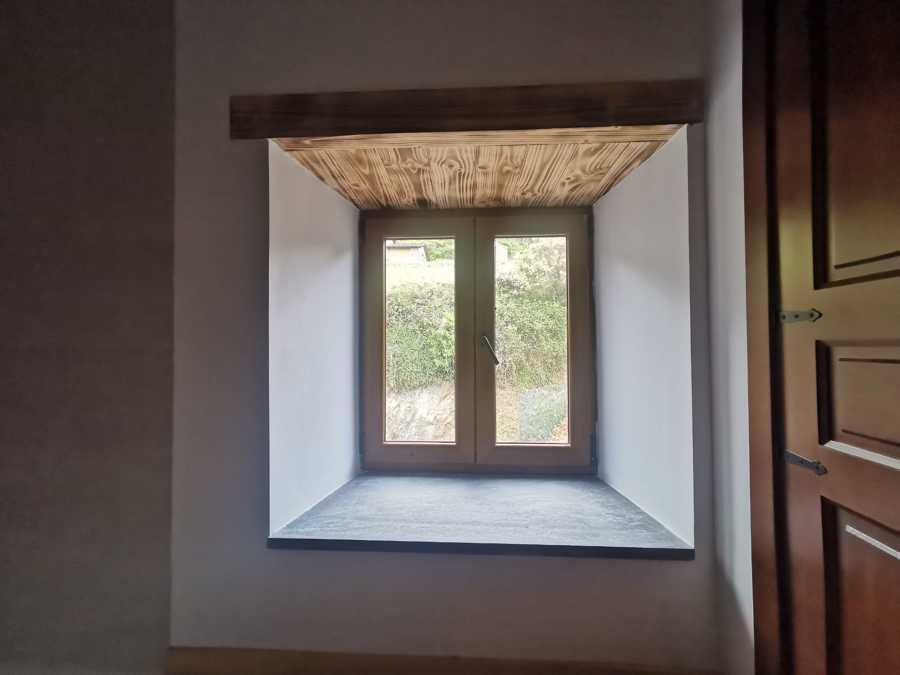 Apertura huecos ventanas y revestimiento interior cargaderos