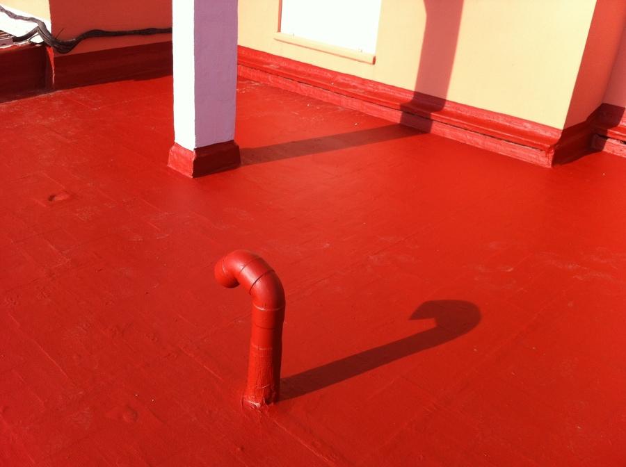 Aplicación de pintura cloro-caucho cubierta
