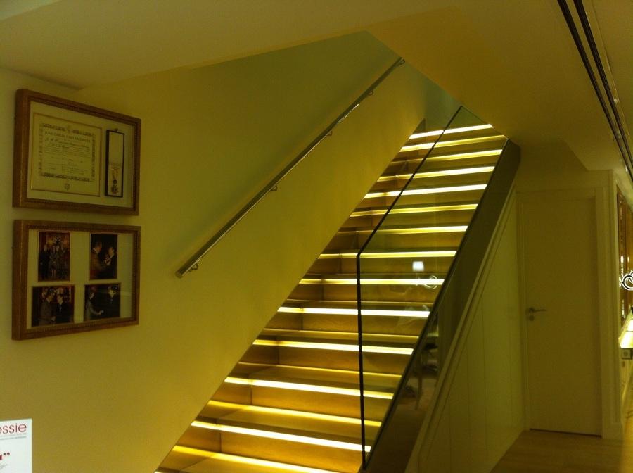 Foto aplicacion led es pelda os escalera de bonaire - Iluminacion de escaleras ...