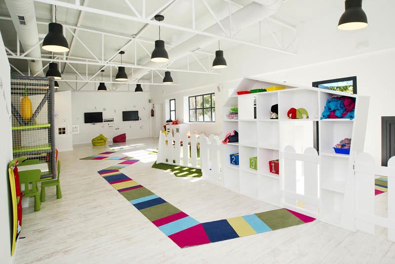 Aquarela Gastrobar&Jardín ORTHO estudio de interiorismo