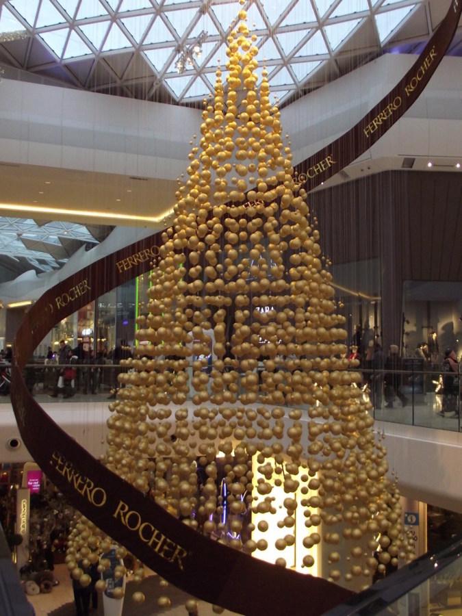 árbol-de-navidad-ferrero-rocher-768x1024