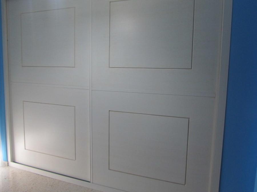Armario a medida con puertas correderas modelo 11 ideas - Puertas armario a medida ...