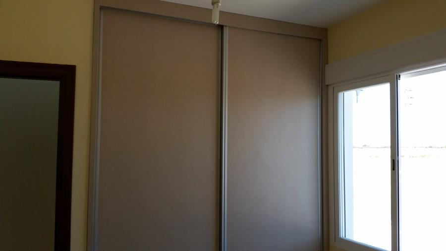 Armario a medida con puertas correderas modelo 3 ideas - Puertas armario a medida ...