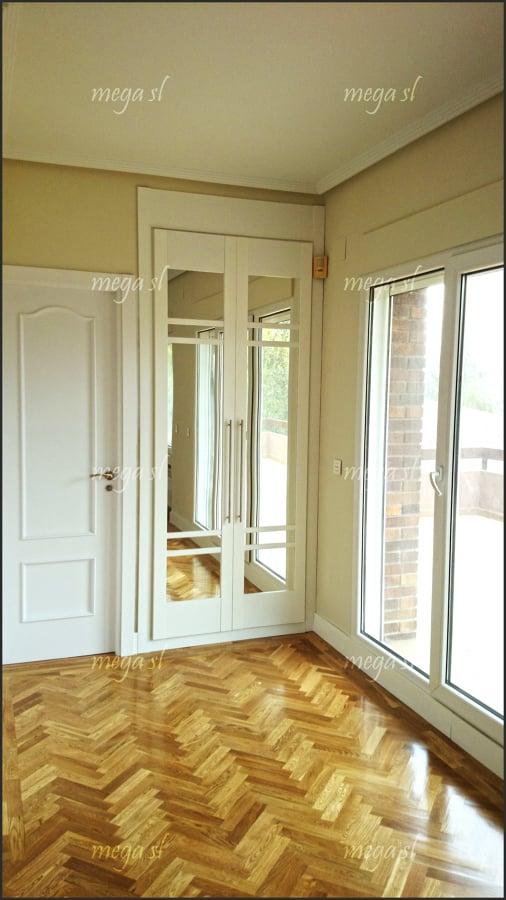 Puerta de paso y armario lacado en blanco proyectos armarios - Puertas de armario abatibles ...