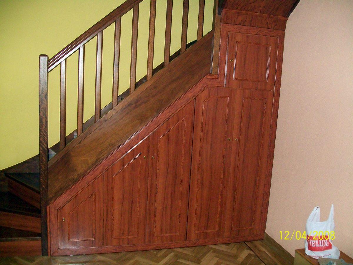 Armario bajo escalera ideas armarios - Armario bajo escalera ...