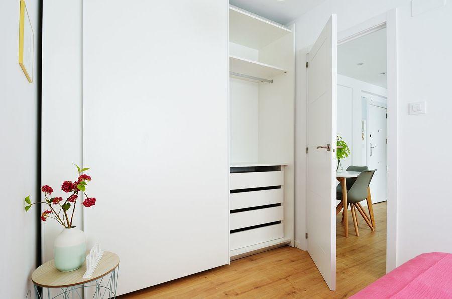 Armario con puertas lacadas