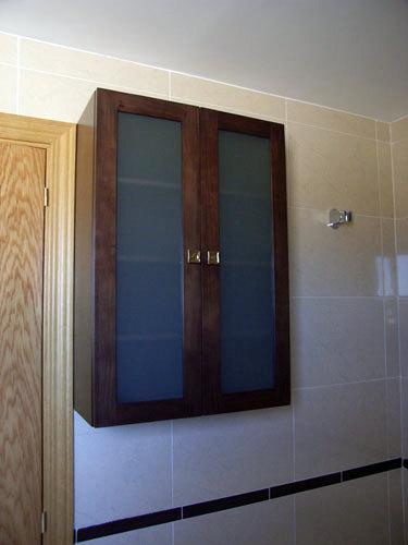 Foto armario de colgar con puertas con cristal mate de - Armarios de bano de colgar ...