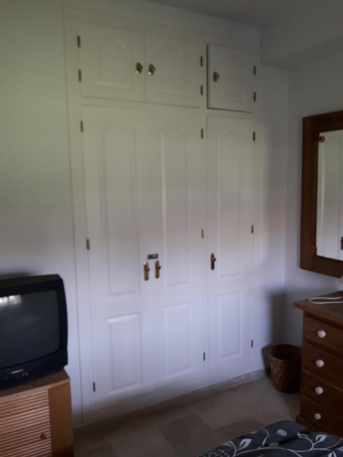 Armario habitación 1 lacado