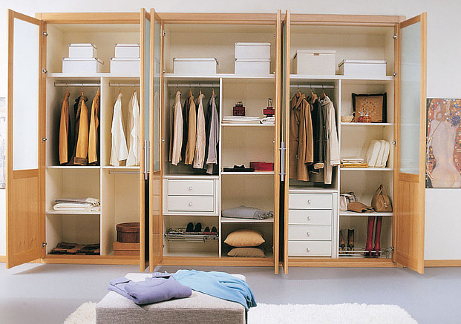 C mo ahorrar espacio en el armario ideas mantenimiento for Programa para crear espacios interiores