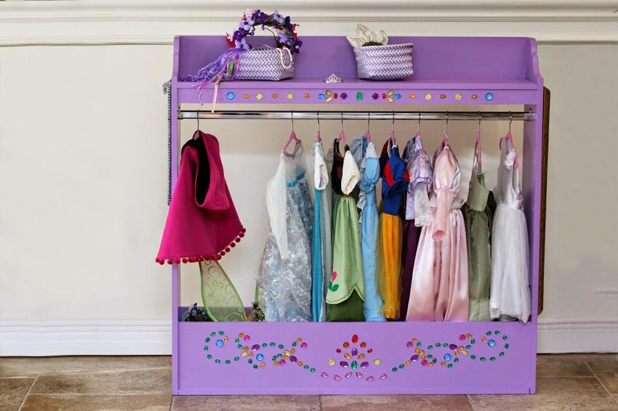C mo reciclar una c moda infantil por muy poco dinero - Armarios para guardar juguetes ...