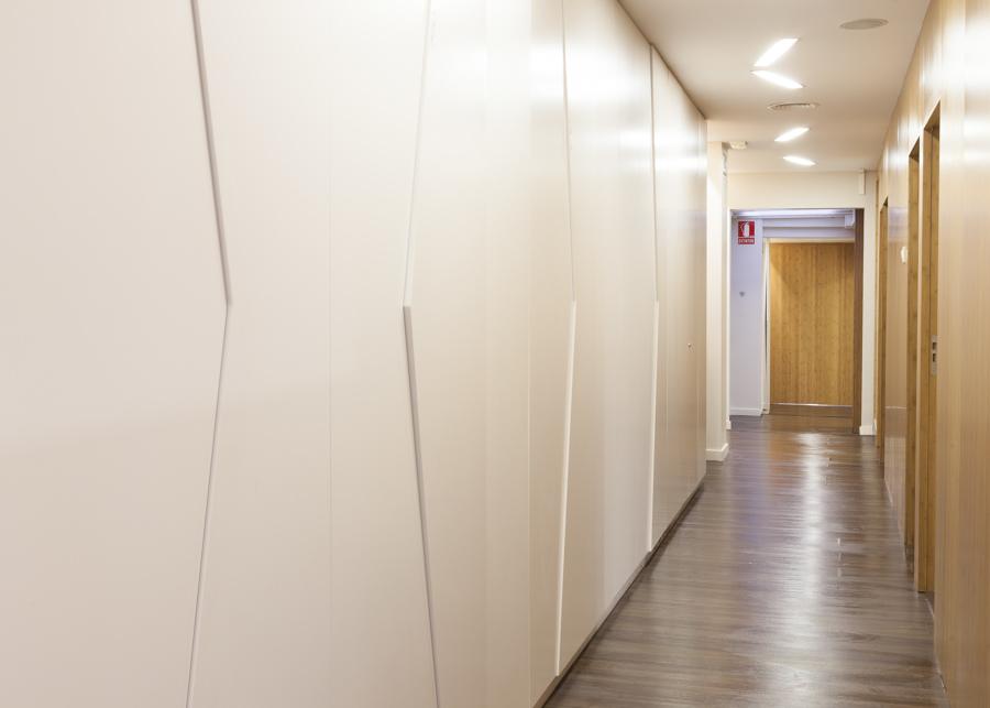 Foto armarios empotrados con puertas asim tricas de dsousadesign 1052545 habitissimo - Armarios empotrados burgos ...