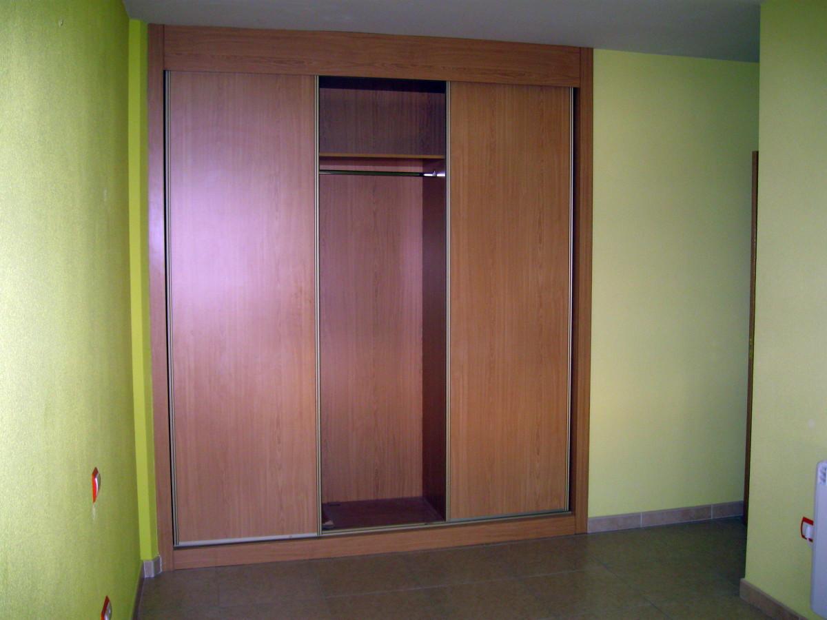 Foto armarios empotrados habitacion de construcciones - Armarios empotrados valladolid ...