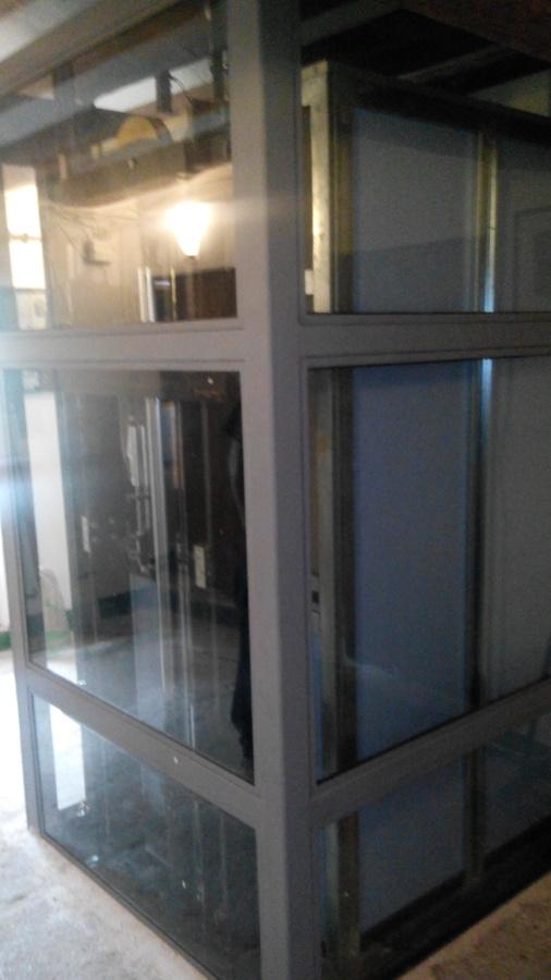 Ejemplos productos instalados por stb elevadores ideas for Cerramiento vidrio